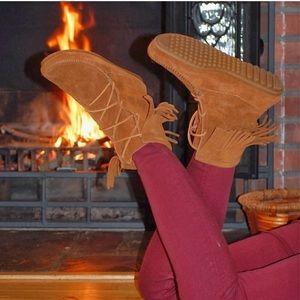 Minnetonka Moccasin Fringe Tramper Ankle Booties